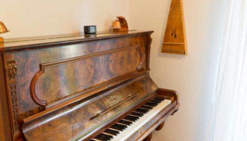 Piano kleiner Behandlungsraum